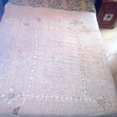 Antigüedades: ANTIGUA COLCHA DE ORGANZA CON ENTREDOS DE BOLILLOS. Lote 114258563