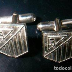 Antigüedades: GEMELOS ESCUDO ATLETICO DE MADRID EN PLATA DE LEY 925ML.. Lote 114311811
