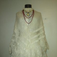 Antigüedades: BONITO MANTÓN O TOQUILLA DE LANA DE MOHAIR CRUDO. Lote 114315267