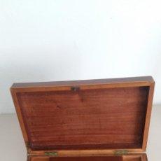 Antigüedades: COSTURERO ANTIGUO DE CAOBA Y OTRAS MADERAS. Lote 114339695