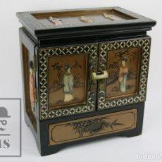 Antigüedades: JOYERO ORIENTAL MADERA LACADA - LATÓN E INCRUSTACIONES TIPO HUESO - PINTADO A MANO - SIGLO XX. Lote 114348731
