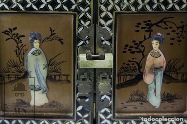 Antigüedades: Joyero Oriental Madera Lacada - Latón e Incrustaciones Tipo Hueso - Pintado a Mano - Siglo XX - Foto 4 - 114348731