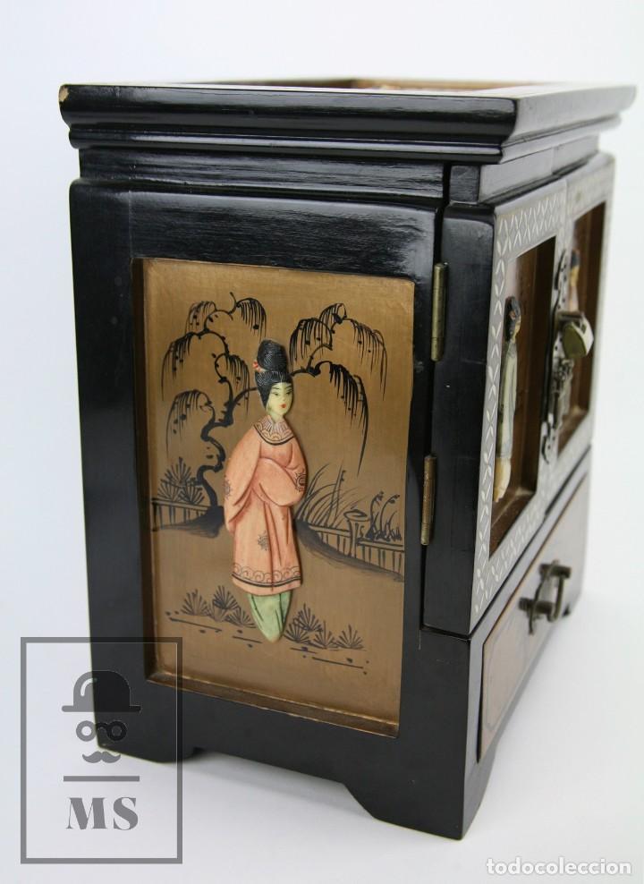 Antigüedades: Joyero Oriental Madera Lacada - Latón e Incrustaciones Tipo Hueso - Pintado a Mano - Siglo XX - Foto 15 - 114348731