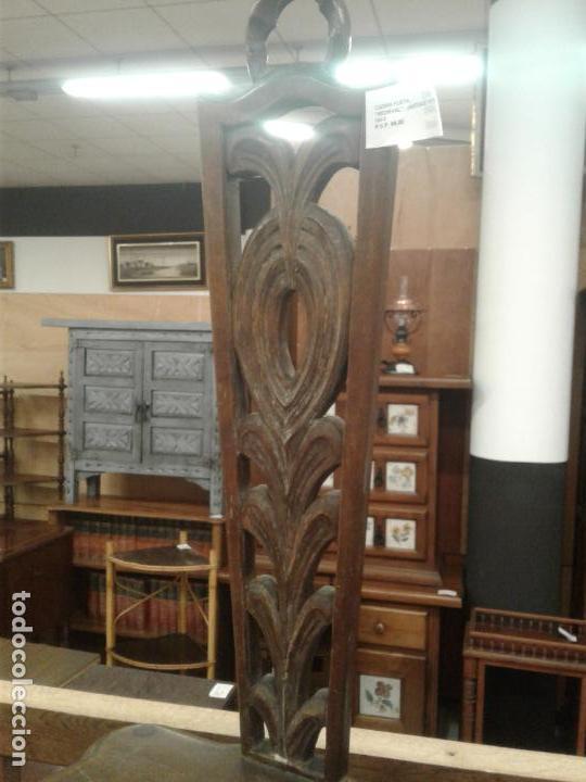 Antigüedades: Antigua pareja de sillas respaldo tallado. Madera maciza. - Foto 2 - 114355511