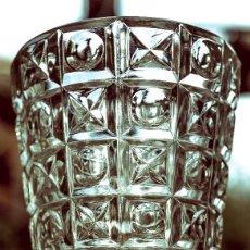 Antigüedades: JARRÓN DE CRISTAL TALLADO A MANO ITALIA 1968. Lote 114379847