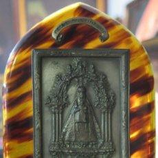 Antigüedades: BONITA BENDITERA DE LA VIRGEN DEL SAGRARIO. TOLEDO. SIMIL CAREY. FINALES S. XIX-PPIOS. SIGLO XX. Lote 114383379