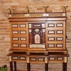 Antigüedades: ELEGANTÍSIMO Y EXCLUSIVO BARGUEÑO ITALIANO. Lote 114396003