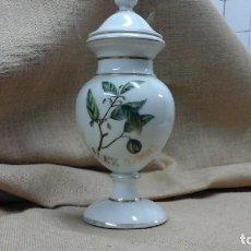 Antigüedades: COPA-TARRO DE FARMACIA ,PORCELANA DE LIMOGES .PRIMER TERCIO DEL SIGLO XX MARCADA. Lote 114401275