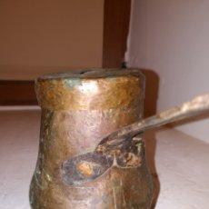 Antigüedades: CHOCOLATERA DE COBRE MUY ANTIGUA .BUEN ESTADO. Lote 114441880