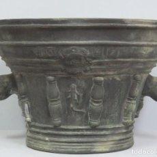 Antigüedades: MAGNIFICO MORTERO DE TERRACOTA. MARCO QUART. GERONA. GRAN TAMAÑO. Lote 114445847