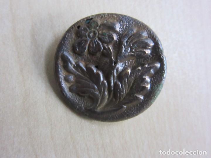 Antigüedades: Botón del siglo XVIII o XIX con motivo de flor - Foto 2 - 114451411