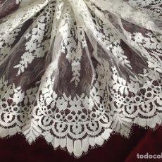 Antiquitäten - Excelente encaje, blonda, puntilla doble imitación bruselas, para vestir Virgen dolorosa - 114460446