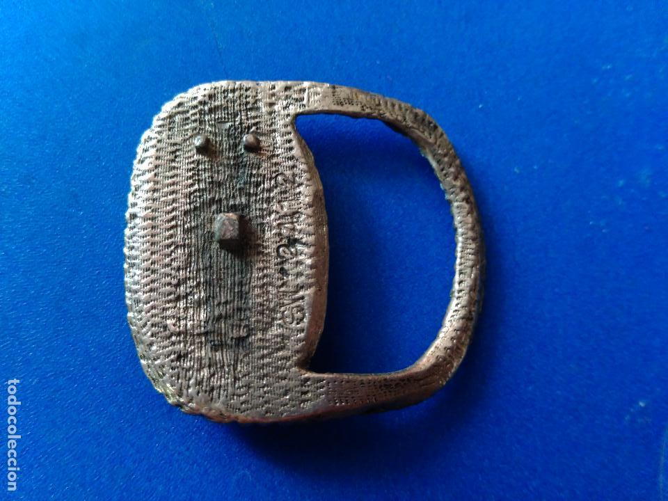Antigüedades: ANTIGUA HEBILLA CINTURÓN DE SEÑORA. METAL Y PIEZA NACARADA.. - Foto 2 - 114462467
