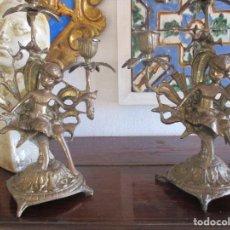 Antigüedades: PAREJA DE CANDELABROS DE BRONCE SIGLO XIX. Lote 114475027