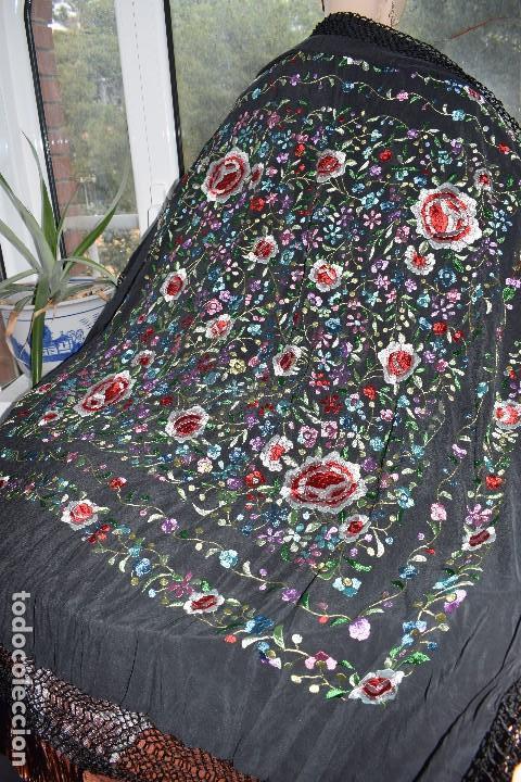 Antigüedades: Mantón de manila seda bordada a mano - Foto 5 - 159263786