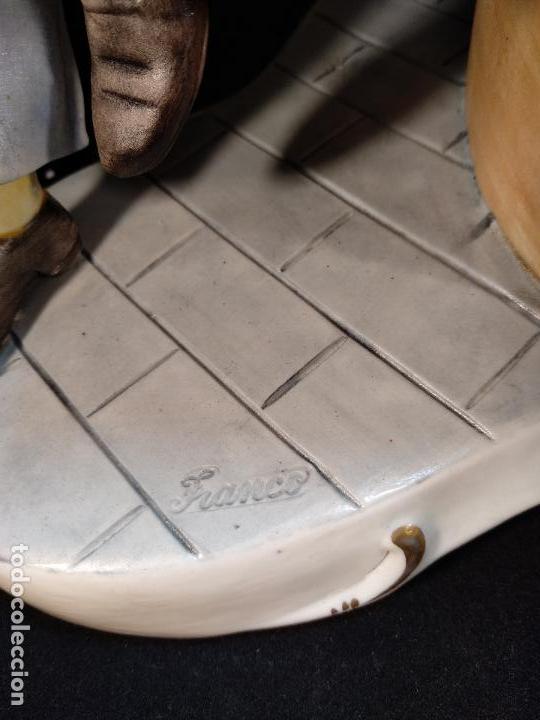 Antigüedades: DIVERTIDA ESCENA DE AMIGOS JUGANDO AL BILLAR EN PORCELANA ITALIANA DE CAPODIMONTE - EL PRÍNCIPE - - Foto 6 - 114486103