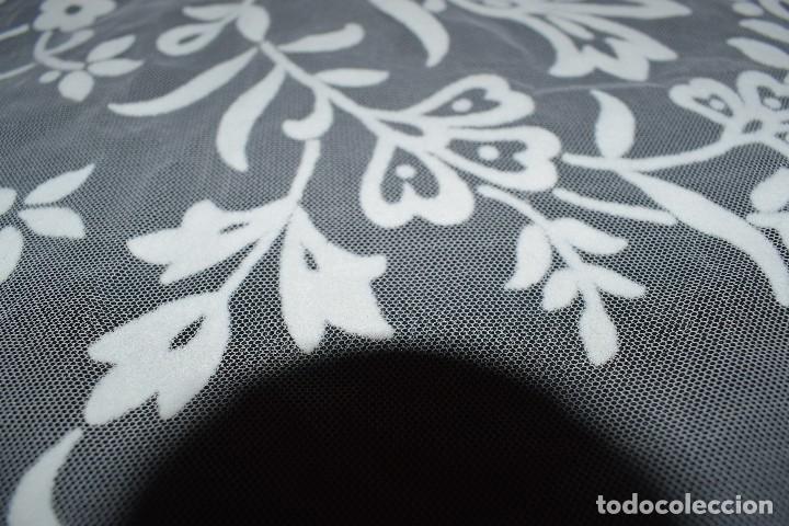 Antigüedades: Mantel tul con dibujo en terciopelo blanco tipo mantilla años 50 230cm x205cm - Foto 5 - 120233640