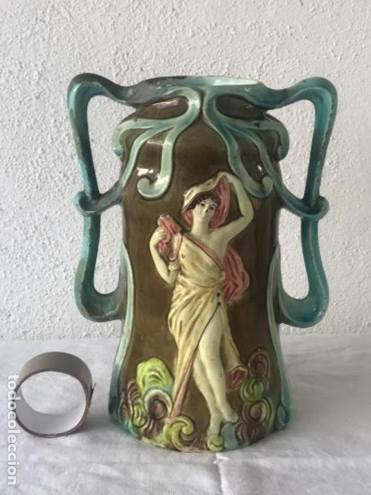 IMPORTANTE JARRON MODERNISTA DE GRAN TAMAÑO 1920 , ART NOUVEAU. LOZA ESMALTADA. (Antigüedades - Hogar y Decoración - Jarrones Antiguos)