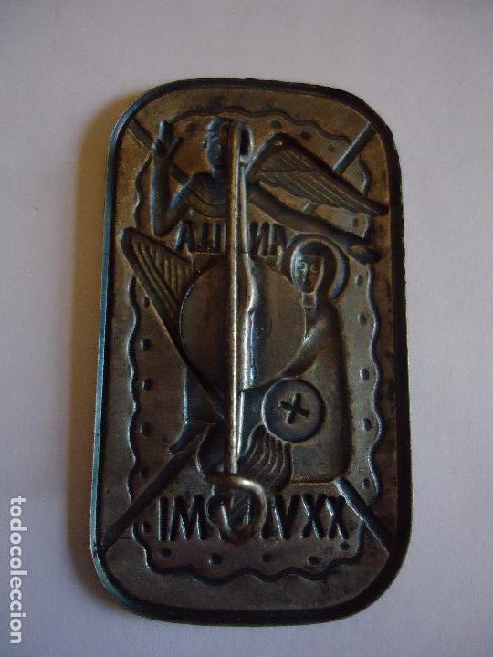 Antigüedades: Ancilla Dei. Anunciación. 4,5 x3 cms. Broche pin para solapa. Medidas - Foto 2 - 114527335