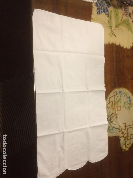 Antigüedades: Antiguo almhoadon / cojín de juego de sábanas en algodón bordado a mano años 20-30 - Foto 6 - 114594383
