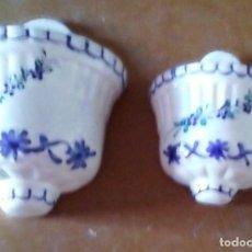 Antigüedades: 2 CUELGA PLANTAS DE CERAMICA. Lote 114610275