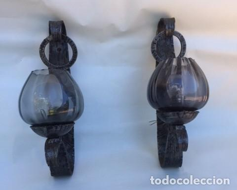 Antigüedades: Juego dos lámparas apliques de hierro forja forzado años 60 con tulipas Artesania local. - Foto 3 - 114620127