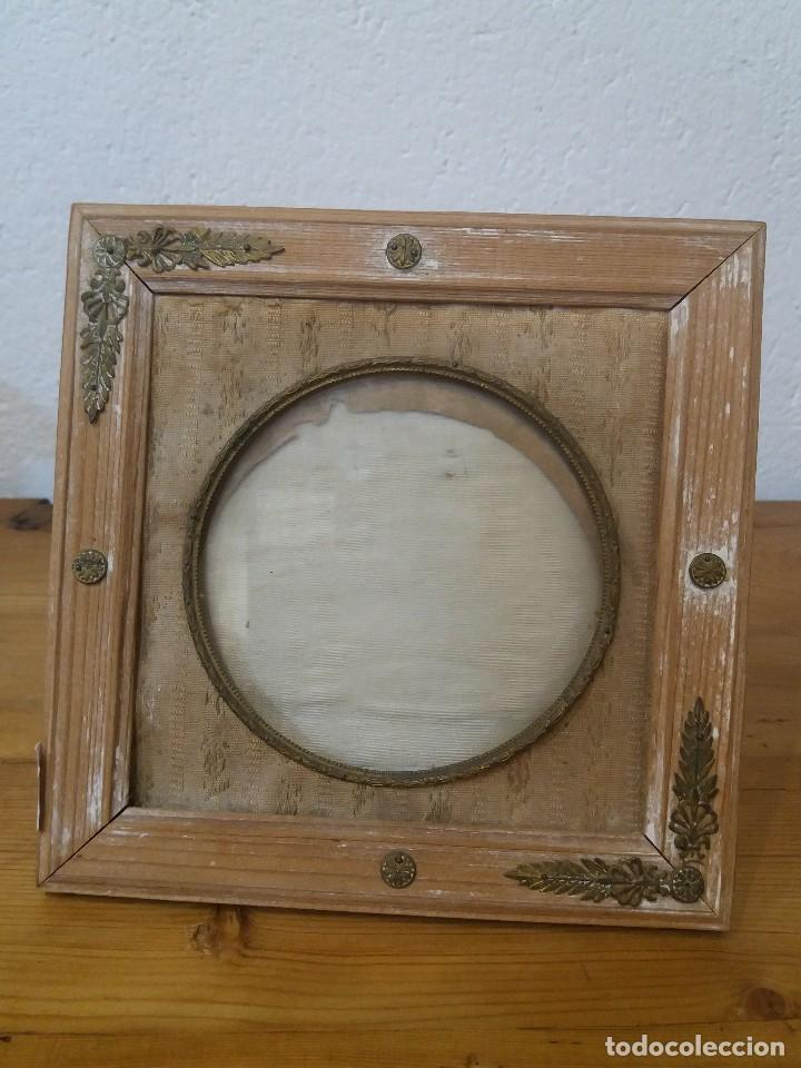 antiguo marco de madera para fotos. - Comprar Marcos Antiguos de ...
