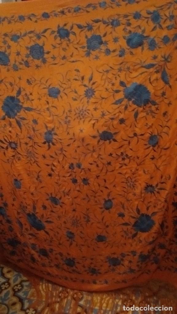 Antigüedades: Manton bordado a mano antiguo - Foto 2 - 114662463