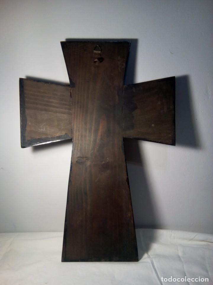 Antigüedades: Antiguo crucifijo de madera y metal - Foto 5 - 114666687