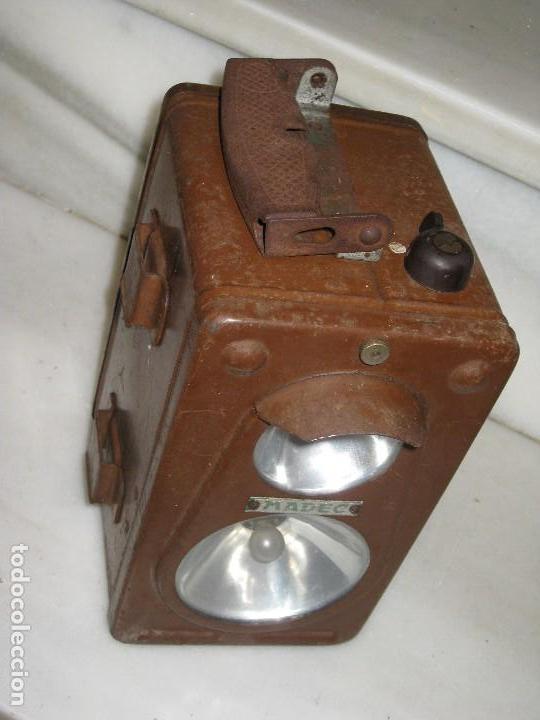 Antigüedades: Farol de mano marca Madec. - Foto 12 - 114686571