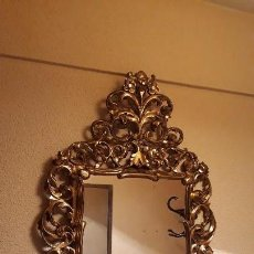 Antigüedades - Cornucopia antigua en pan de oro dorada estilo barroco. 106x70. Espejo antiguo de madera dorado - 114740415