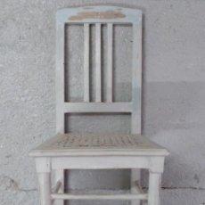 Antigüedades: SILLA DE NIÑO MODERNISTA CON ASIENTO DE REJILLA MADERA. Lote 114767127
