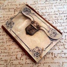 Antigüedades: MAGNIFICO CARNET DE BAILE CON LAS CUBIERTAS EN MADREPELA,NACAR,S. XIX. Lote 114862079