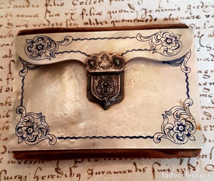 Antigüedades: MAGNIFICO CARNET DE BAILE CON LAS CUBIERTAS EN MADREPELA,NACAR,S. XIX - Foto 2 - 114862079