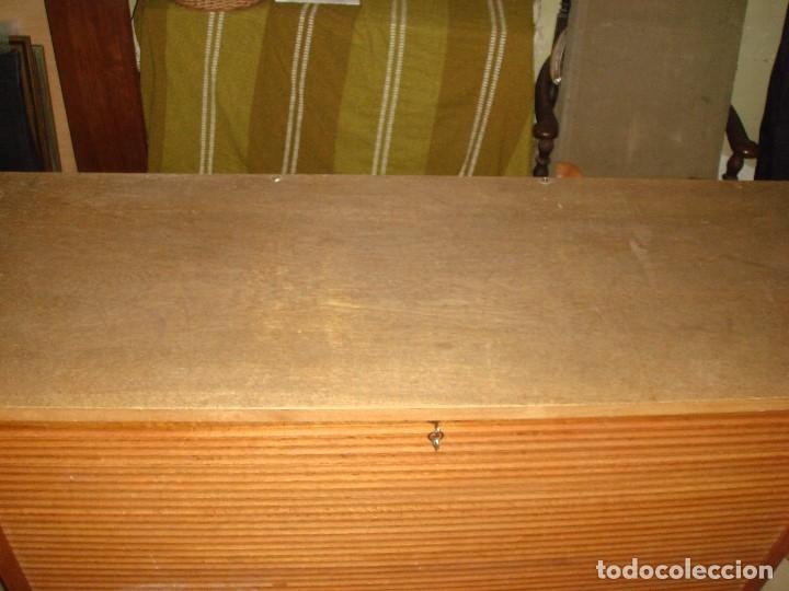 Antigüedades: ARCHIVADOR MUEBLE DE PERSIANA TODO EN MADERA DE ROBLE. C1920 - Foto 9 - 114882215