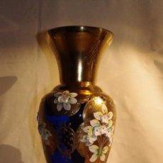 Antigüedades: JARRON AZUL DE CRISTAL DE BOHEMIA. Lote 114883435