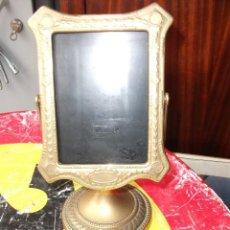 Antigüedades: MARCO DE BRONCE BASCULANTE MEDIDA 25 X 15 CM. . Lote 114942899