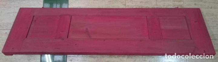 Antigüedades: Antigua puerta,repisa, maciza, pintada en rojo emperador de Annie sloan,especial. - Foto 2 - 114944043