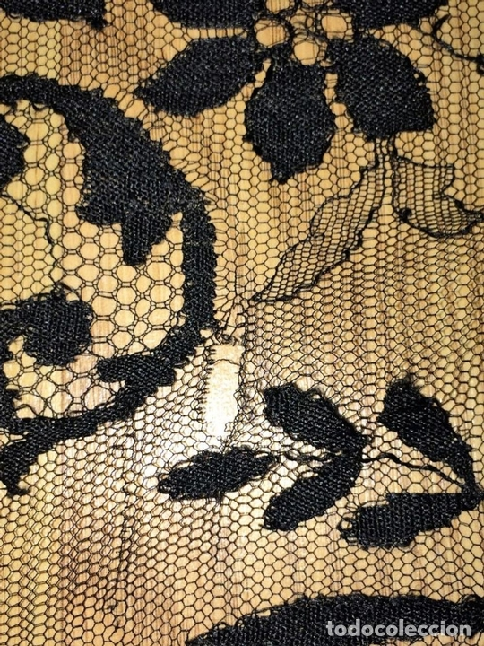 Antigüedades: GRAN MANTILLA. BORDADO SEMIMECÁNICO SOBRE TUL. SEDA Y/O VISCOSA. ESPAÑA. CIRCA 1930 - Foto 3 - 107053888