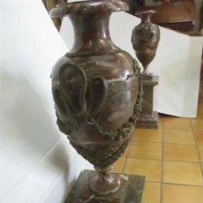 Antigüedades: ANTIGUA PAREJA DE JARRONES, CON PEANA - COPAS DE MÁRMOL - BRONCE - FRANCIA - S. XIX. Lote 114966903