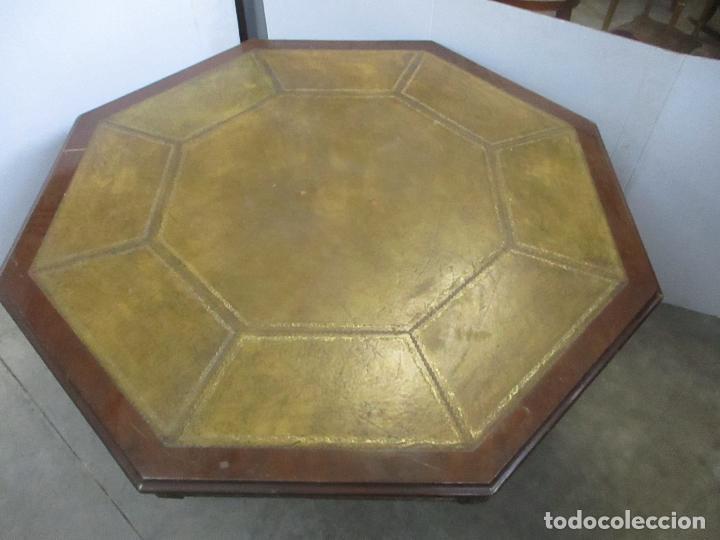 ANTIGUA MESA DE JUNTAS OCTOGONAL - DESPACHO - VICTORIANA - MADERA NOGAL - SOBRE EN PIEL - S. XIX (Antigüedades - Muebles Antiguos - Mesas Antiguas)