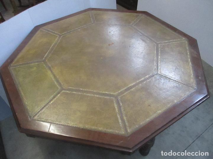 Antigüedades: Antigua Mesa de Juntas Octogonal - Despacho - Victoriana - Madera Nogal - Sobre en Piel - S. XIX - Foto 4 - 114980139