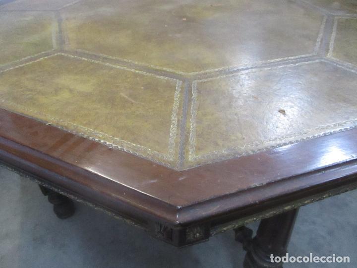 Antigüedades: Antigua Mesa de Juntas Octogonal - Despacho - Victoriana - Madera Nogal - Sobre en Piel - S. XIX - Foto 5 - 114980139