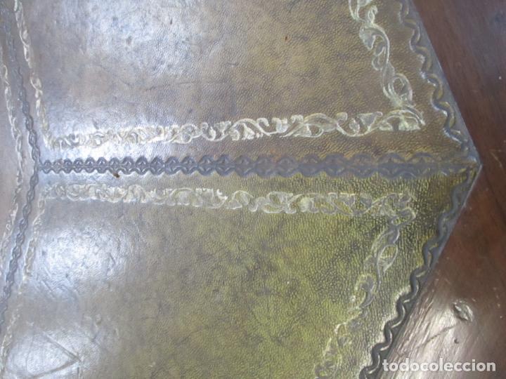 Antigüedades: Antigua Mesa de Juntas Octogonal - Despacho - Victoriana - Madera Nogal - Sobre en Piel - S. XIX - Foto 12 - 114980139