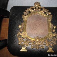 Antigüedades: GRAN MARCO DE BRONCE POSIBLE SIGLO XIX MUY BUEN ESTADO GRAN PESO MIDE 37 X 27 CMTROS APROX. Lote 114986087