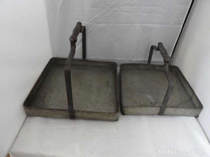 Antigüedades: PRACTICAS BANDEJAS CON ASAS DE METAL - Foto 5 - 115006631