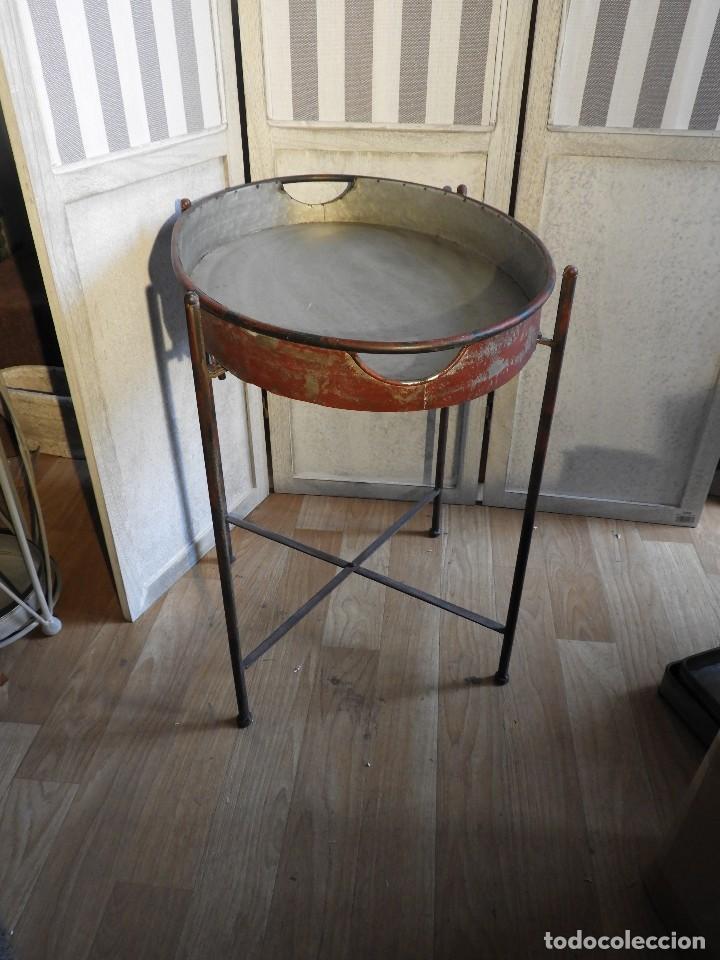 Antigüedades: MESA O BANDEJA CON PATAS METALICAS - Foto 6 - 115023247