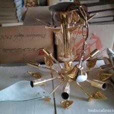 Antigüedades: BONITA LAMPARA DE BRONCE DE 8 BOMBILLAS, CON 8 CRISTALES CON FORMA DE HOJA. Lote 115030447