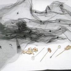 Antigüedades: ANTIGUO VELO NEGRO + 6 ALFILERES O PRENDEDORES ANTIGUOS. Lote 161344898