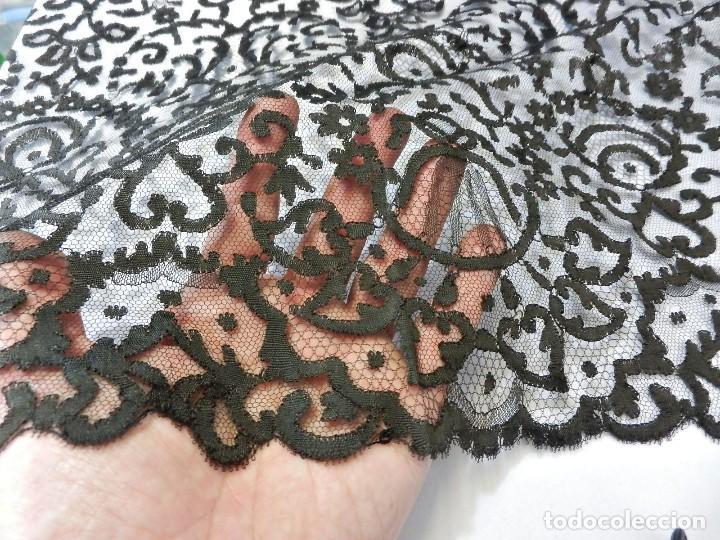 Antigüedades: 5001 Gran mantilla s XIX bordada a mano 220x88 cm - Foto 8 - 115098239